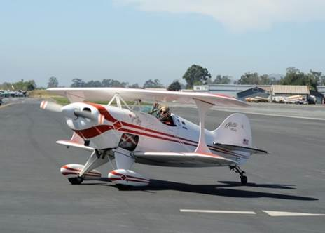Pitts N113DL Taxing In March 29th